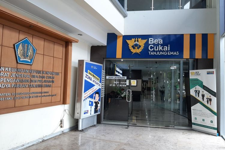 Kantor Bea Cukai Tanjung Emas Semarang, Jateng.
