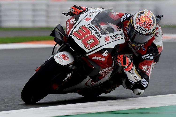 Takaaki Nakagami saat berlaga di MotoGP Eropa. (Photo by JOSE JORDAN / AFP)