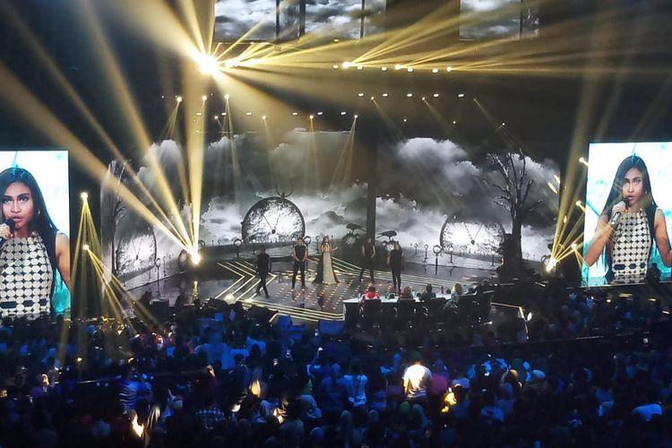 Kontestan Indonesian Idol X, Novia saat tampil di MNC Studio, Kebon Jeruk, Jakarta Barat, Senin (23/12/2019).