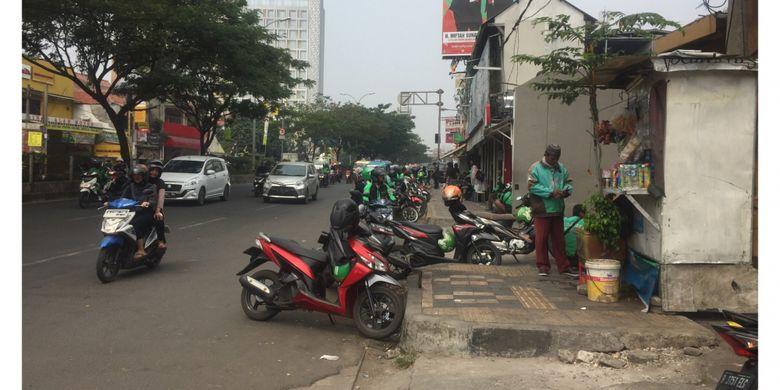 Keadaan Trotoar di Jalan Margonda, Depok, Kamis (9/8/2018).