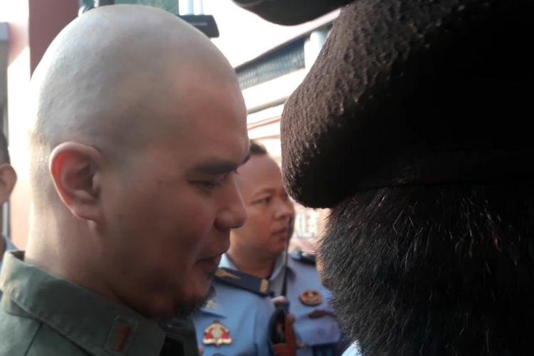 Terdakwa kasus ujaran kebencian Ahmad Dhani tiba di Rutan Cipinang, Kamis (13/6/2019) pagi.