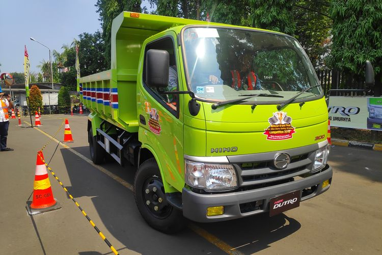 Hino adakan kompetisi keselamatan berkendara bagi pengemudi truk Hino