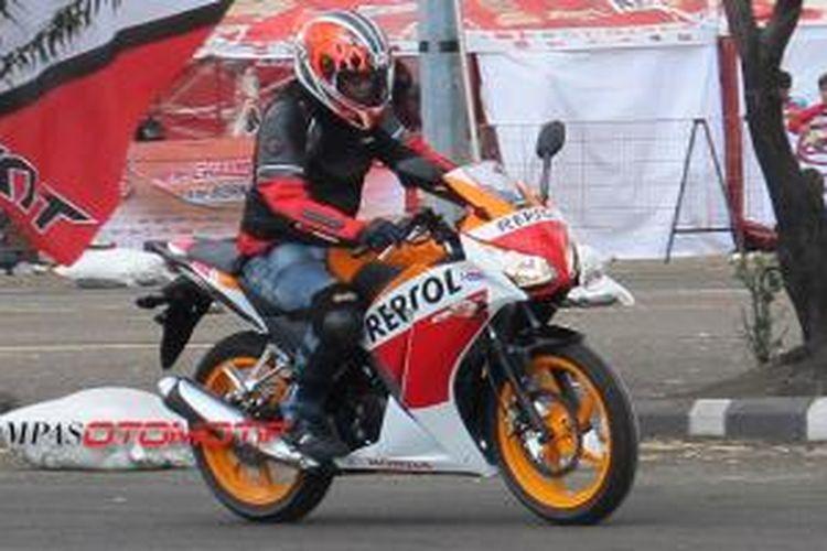 KompasOtomotif merasakan Honda CBR150R semakin ergonomis dan siap berstatus sebagai tunggangan sehari-hari.