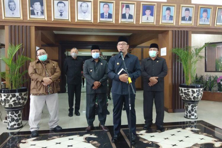 Gubernur Jawa Barat Ridwan Kamil saat menghadiri konferensi pers di Gedung DPRD Jabar, Kota Bandung, Jumat (11/9/2020).