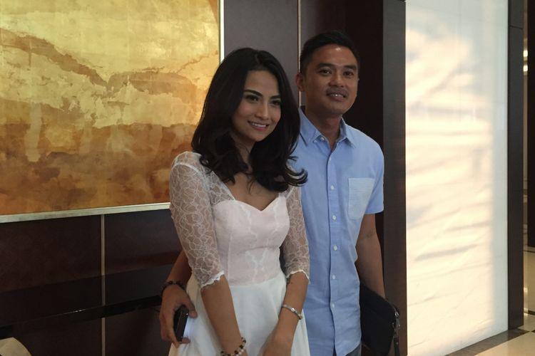 Vanessa Angel dan kekasihnya, Lingga Permana Ersan, di Hotel Fairmont, Jakarta Pusat, Rabu (30/5/2018).