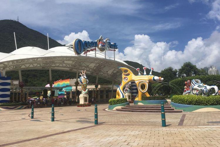 Ocean Park Hongkong, theme park seluas 91,5 hektar.