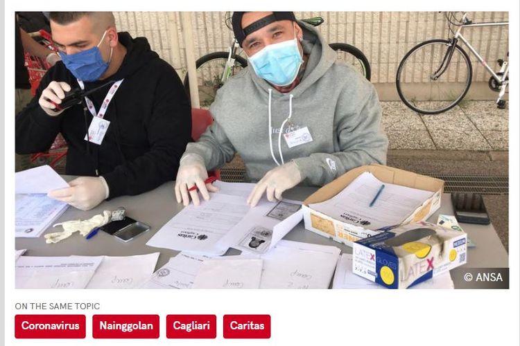 Radja Nainggolan menjadi sukarelawan dalam distribusi pembagian makanan bagi keluarga yang ekonominya terdampak pandemi virus corona di Cagliari, Pulau Sardinia.