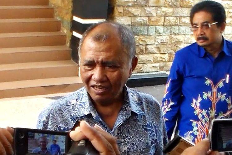 Ketua KPK Agus Raharjo mengunjungi usai menghadiri kegiatan pertemuan diaspora di Pendopo Kabupaten Magetan. KPK belum menetapkan tersangka baru dalam dugaan kasus gratifikasi oleh Bupati Malang Rendra Kresna.