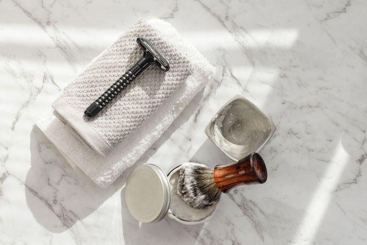 Ilustrasi alat untuk mencukur bulu