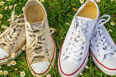 6 Tips Bikin Sepatu Putih Kembali Bersih seperti Baru