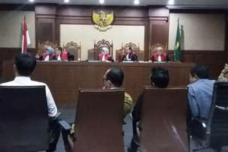 Anggota Komisi V DPR memberikan keterangan dalam sidang bagi terdakwa Abdul Khoir di Pengadilan Tipikor, Jakarta, Senin (25/4/2016).