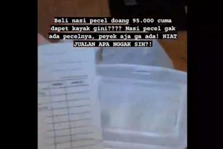 Tangkapan layar video perempuan menunjukkan penipuan lapak makanan online (Kompas.co,/Achmad Faizal)