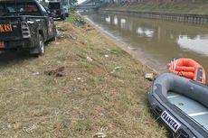 Cerita Saksi Detik-detik Mobil Tercebur ke Kalimalang, Dua Orang Lolos Naik ke Atap