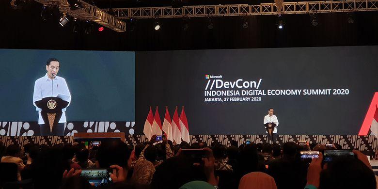 Presiden RI Joko Widodo saat berpidato di Indonesia Digital Economy Summit 2020 di Jakarta, Kamis (27/2/2020).