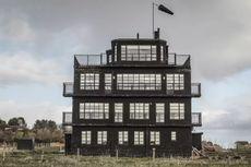 Eks Menara ATC Perang Dunia II Disulap Jadi Hotel