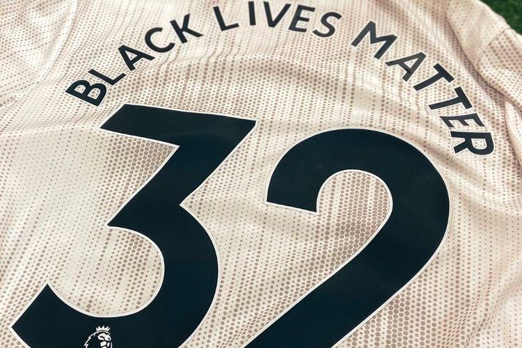 Jersey klub Liga Premier Inggris, Sheffield United dengan tulisan Black Lives Matter.