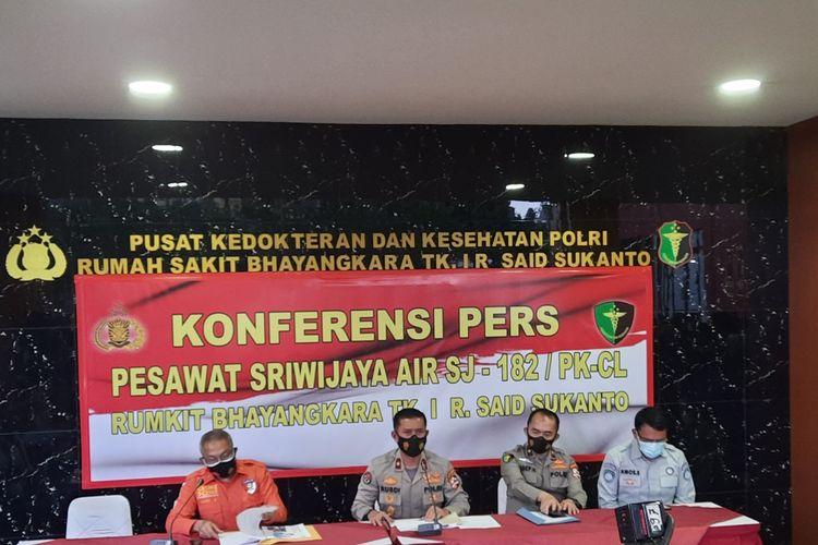 Tim Disaster Victim Identification (DVI) Polri berhasil mengidentifikasi satu korban pesawat Sriwijaya Air SJ 182, Senin (11/1/2021)