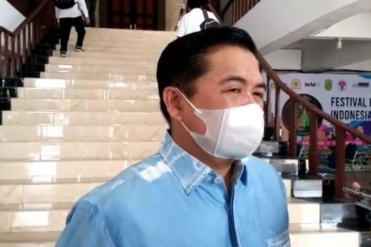 Wali Kota Banjarmasin, Ibnu Sina memberikan keterangan terkait kewajiban mengantongi ijin menggelar acara yang berpotensi menimbulkan kerumunan.