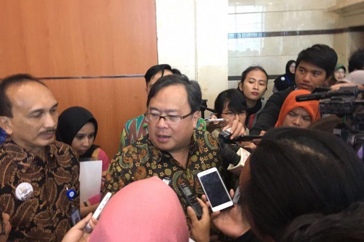 Menteri PPN Bambang P.S. Brodjonegoro usai Kick-Off Meeting Sensus Penduduk 2020 di Gedung BPS, Rabu (14/2/2018)