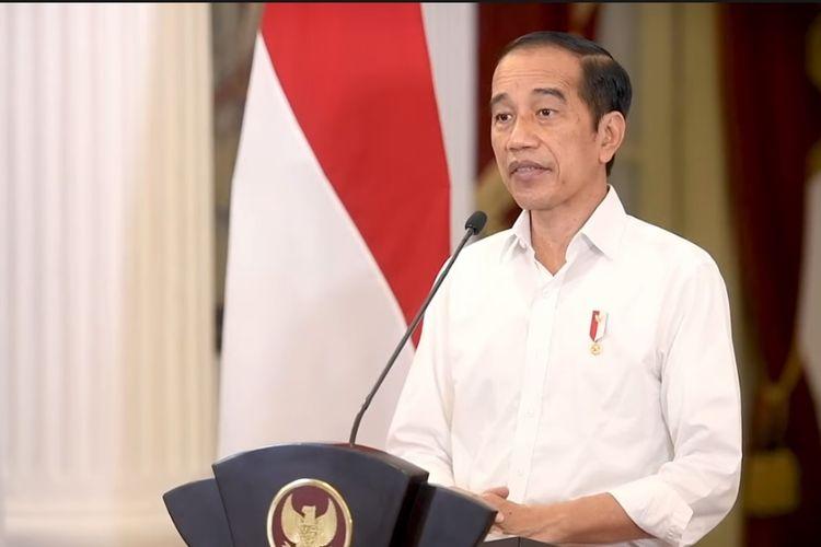 Presiden Joko Widodo saat mengumumkan perpanjangan PPKM dengan sejumlah daerah yang kini turun level hingga 30 Agustus 2021, Senin (23/8/2021).