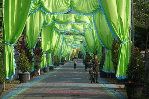 Sambut Idul Fitri, Jalan Kampung Trenggalek Dihiasi Kain Berbagai Warna hingga Gambar Tokoh Kartun