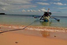 Liburan di Lombok? Cobalah Berlayar Sehari ke Pantai Pink
