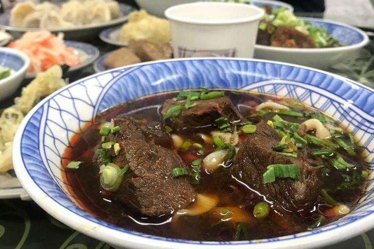 Sajian beef noodle di Restoran Muslim yanga ada di Taipei.