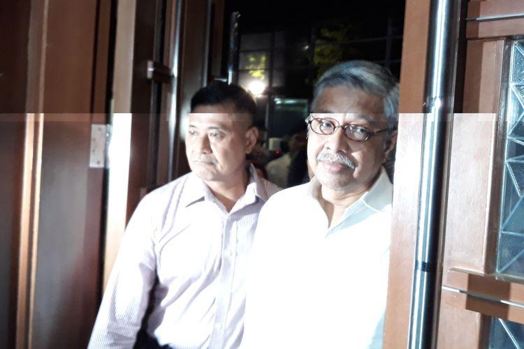 Gubernur nonaktif Sulawesi Tenggara Nur Alam (kanan) di Pengadilan Tipikor Jakarta, Rabu (28/3/2018).