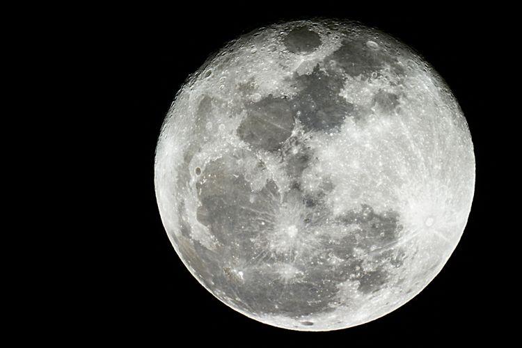 Ilustrasi Bulan, bagaimana Bulan terbentuk?