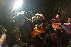 Isak Tangis Iringi Pemakaman Korban Helikopter Basarnas di Semarang