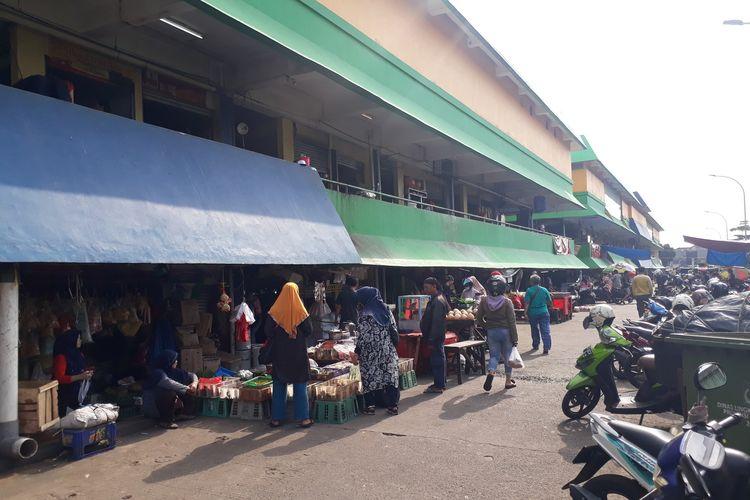 Suasana di Pasar Kramat Jati, Jakarta Timur, Jumat (6/3/2020).