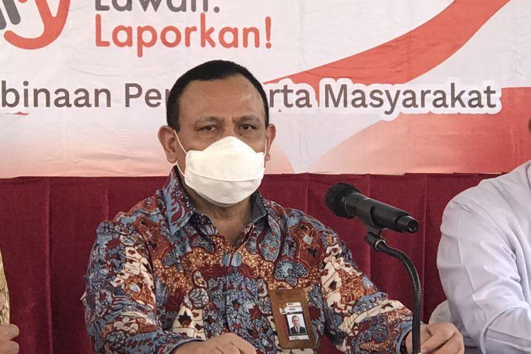 Ketua KPK Firli Bahuri usai menjadi pembicara dalam penyuluhan antikorupsi di Lapas Sukamiskin, Bandung, Rabu (31/3/2021).