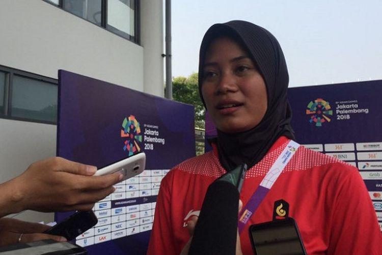 Atlet panah Indonesia, Diananda Choirunisa, ketika ditemui seusai pertandingan semifinal panahan nomor recurve perorangan putri di Lapangan Panahan Stadion Utama Gelora Bung Karno, Kamis (23/8/2018).