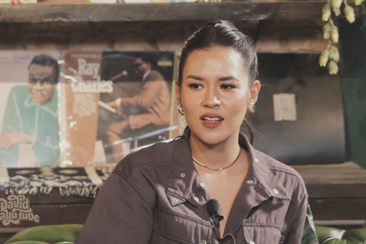 Raisa Andriana menjelaskan alasannya merilis lima singel atau hampir setengah dari album terbarunya, It's Personal.
