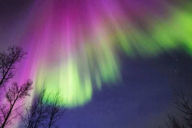 Salah satu penampakan aurora borealis di Alaska pada April 2015, sebagaimana diunggah di situs lembaga penerbangan dan antariksa Amerika Serikat.