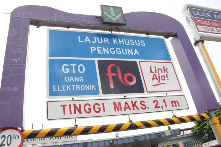 Transaksi tol Single Lane Free Flow (SLFF)