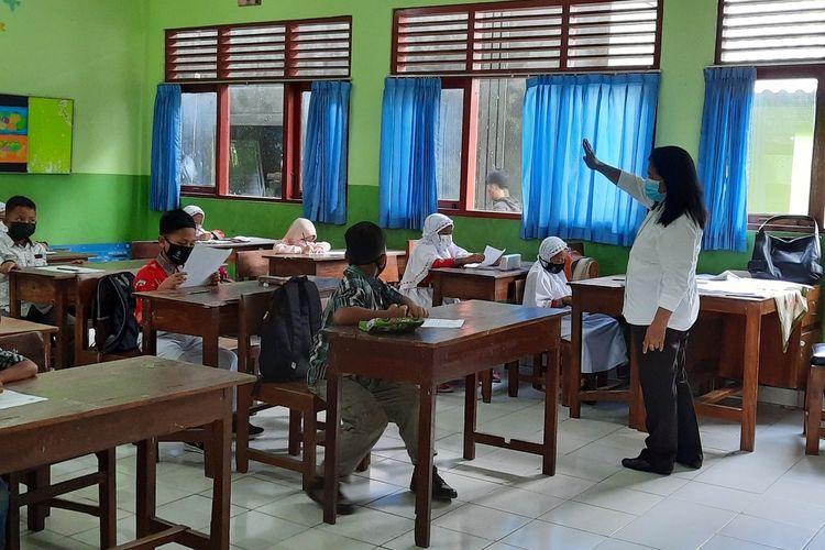 Pembelajaran Tatap Muka di SD N Piyaman 2 Wonosari, Gunungkidul Rabu (15/9/2021)