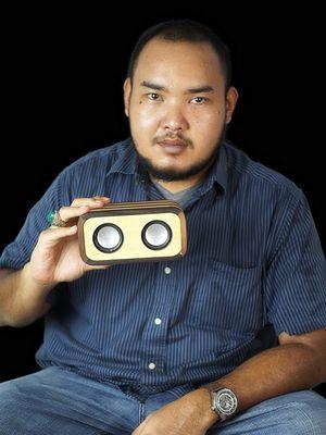 Pemilik bisnis Jerawood, kerajinan tangan dari limbah kayu, Alterga Edi Tri Anggoro.