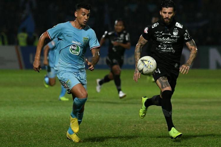 Pertandingan Liga 1 2019 antara Persela Lamongan dan Persib Bandung di Stadion Surajaya, 8 Agustus 2019, berakhir imbang 2-2.