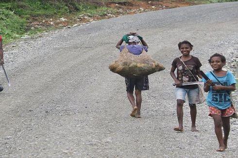 Cerita di Balik Sulitnya Membangun  Jalan Trans-Papua