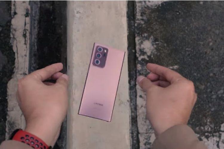 Uji ketahanan fisik dan layar Galaxy Note 20 Ultra