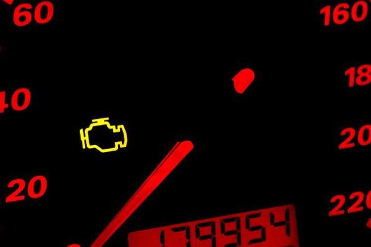 Tanda engine check menyala, segera cek menggunakan scanner.