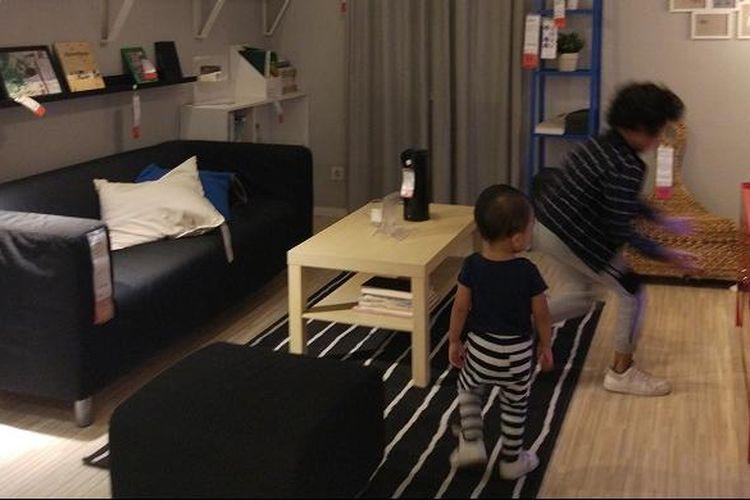 Anak-anak bermain di salah satu ruangan di IKEA Alam Sutera