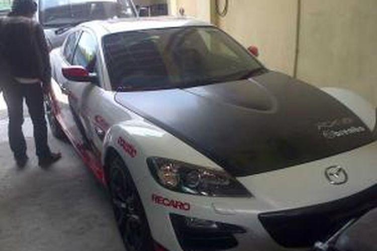 Mobil Mazda sport milik Ketua FPI DIY-Jateng, Bambang Tedy yang disita Polda DIY.