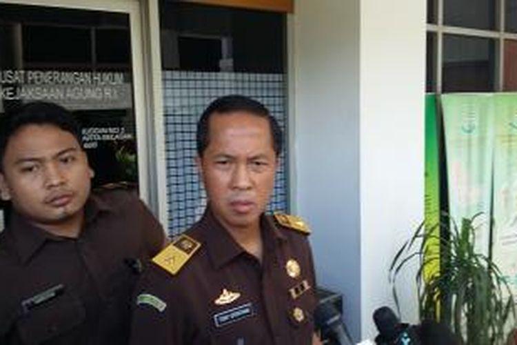 Kepala Pusat Penerangan Hukum Kejaksaan Agung Tony T Spontana, saat ditemui di Gedung Kejaksaan Agung, Jakarta, Kamis (30/4/2015).