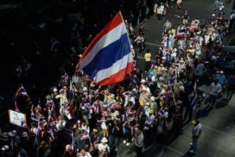 Pemerintah Thailand akhirnya menyatakan ibu kota Bangkok dan sekitarnya dalam keadaan darurat terkait aksi unjuk rasa anti-pemerintah yang semakin meluas.