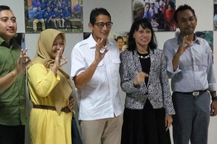Calon wakil gubernur DKI Jakarta, Sandiaga Uno saat di Posko Melawai, Jakarta Selatan, Kamis (9/3/2017).