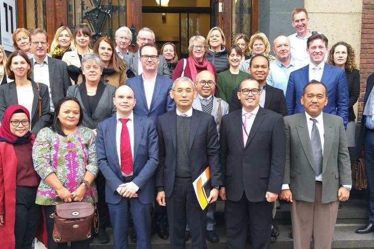 Presiden Direktur LPDP Rionald Silaban usai dengan 15 perguruan tinggi Belanda di kantor Nuffic di Den Haag, Senin (29/11/2018),