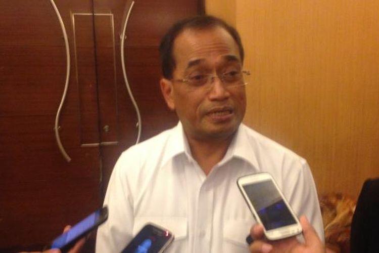 Menteri Perhubungan Budi Karya Sumadi di sela kegiatan di Semarang, Rabu (22/2/2017)