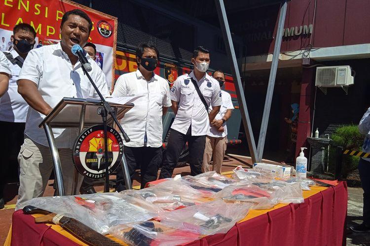 Wadirkrimum Polda Lampung AKBP Adrian saat ekspos kasus di Mapolda Lampung, Rabu (2/6/2021).